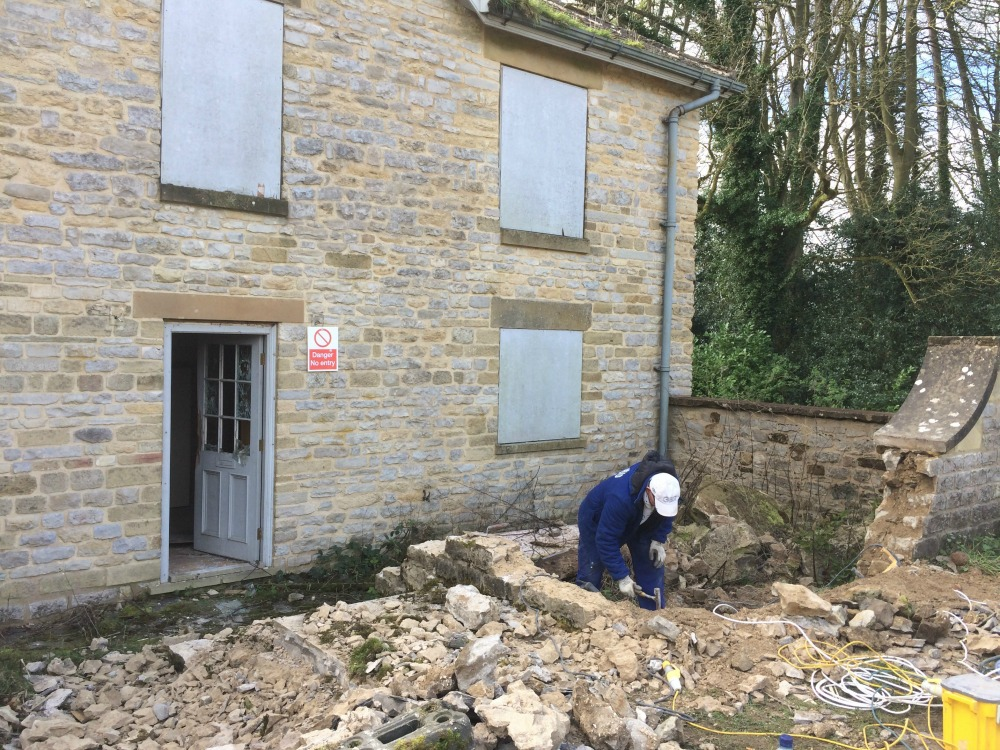 Wall been taken down at Ravenswick Hall